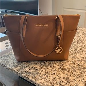 Michael Kors Medium Jet Set Tote